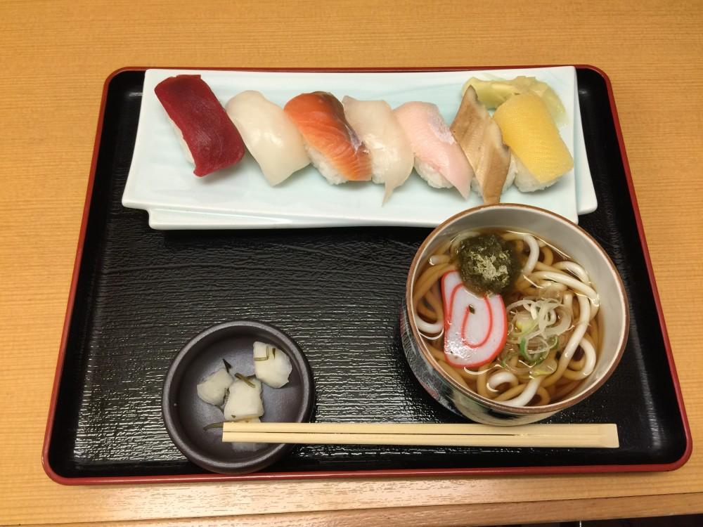 朝どれ鮮魚の寿司